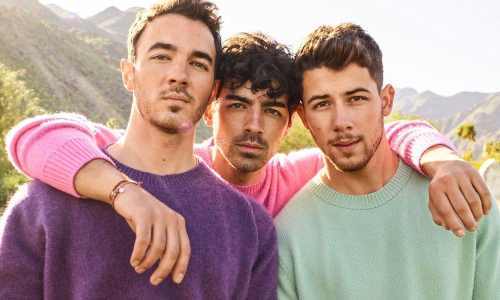 Jonas-Brothers-Q-A-Social-Media