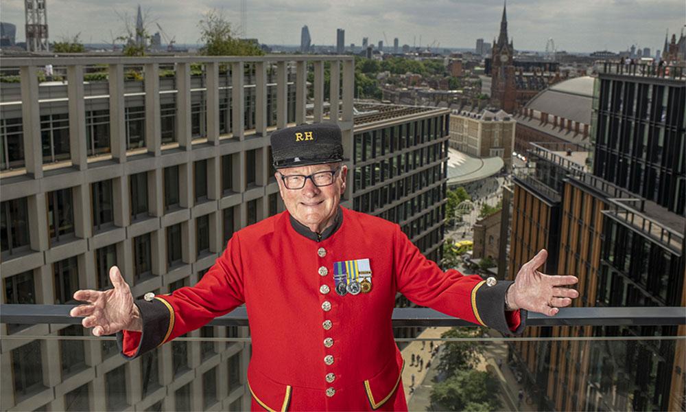 Britain's Got Talent winner Colin Thackery photo