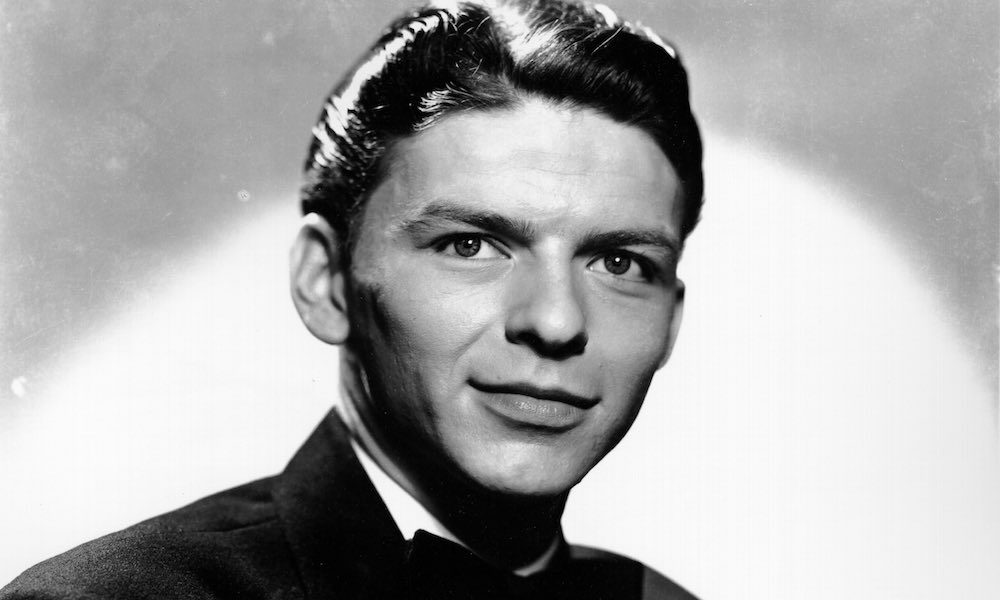 Frank Sinatra 1940 GettyImages 74295697