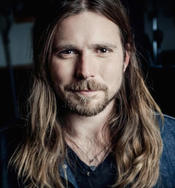 Lukas Nelson press photo Miriam Santos