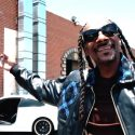 Watch Snoop Dogg Sing His Own Praises In I Wanna Thank Me Video