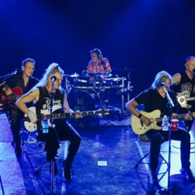 Def Leppard Behind Scenes Las Vegas Video