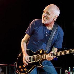 Peter Frampton All Blues press shot