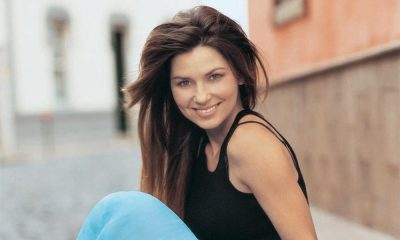 Shania Twain press shot 2004 COPRIGHT Mercury Records