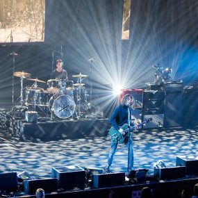 Soundgarden-Live-Artists-Den-IMAX