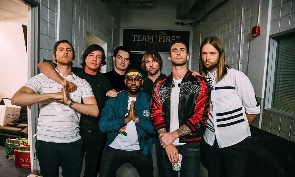 Maroon-5-Moves-Like-Jagger-Top-Listened-Songs