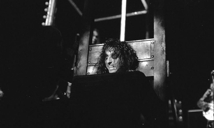 Alice Cooper guillotine live show