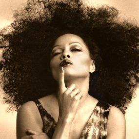 Diana Ross 2019 press shot web optimised 1000 CREDIT Nazeli Kodjoian
