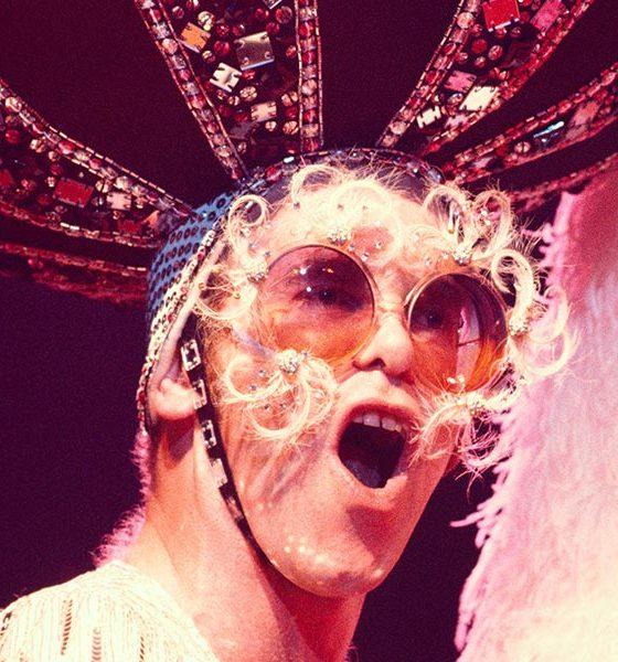 Elton-John-Me-autobiography-press-shot--CREDIT-Sam-Emerson-(courtesy-of-Rocket-Entertainment)