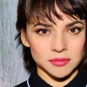 Watch Norah Jones Perform On 'Sesame Street's 50th Anniversary Edition