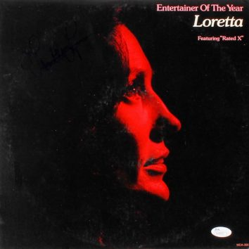 Entertainer Of The Year Loretta Lynn