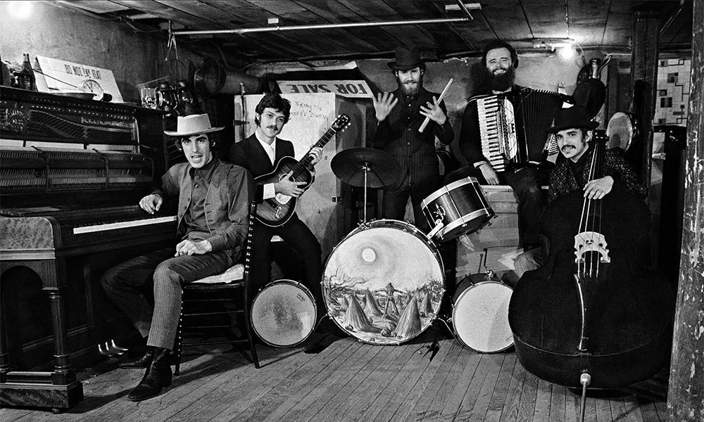 Up On Cripple Creek songs The-Band-self-titled-album-photo-02-1000