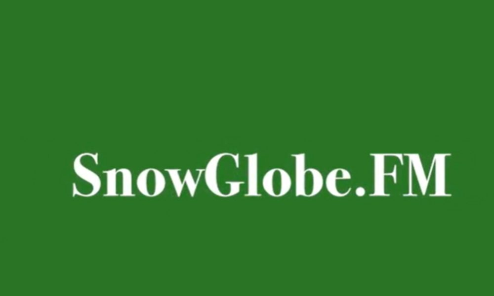 Snowglobe FM Shake Christmas