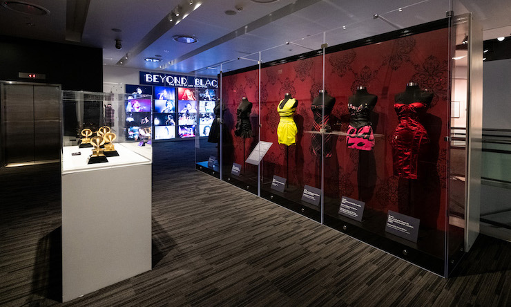Beyond Black: The Style of Amy Winehouse Grammy Museum - Timothy Norris,