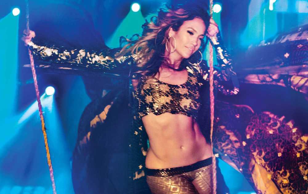 Jennifer-Lopez---Gomillion-&-Leupold
