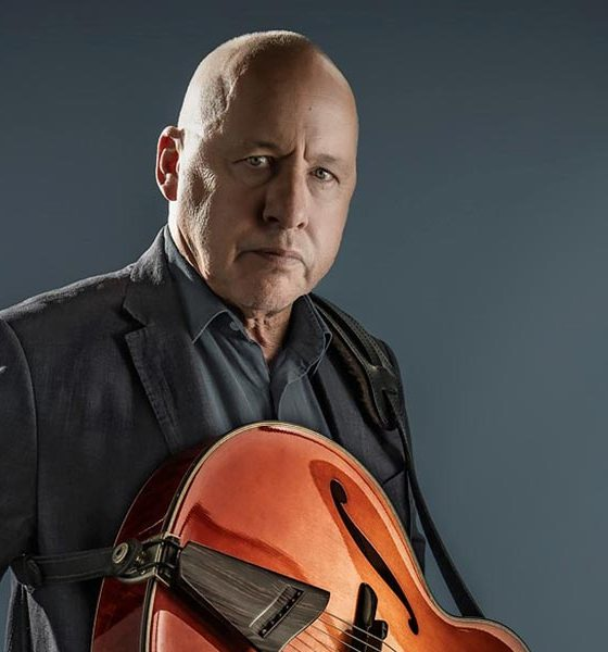 Mark-Knopfler-British-Grove-Broadcast