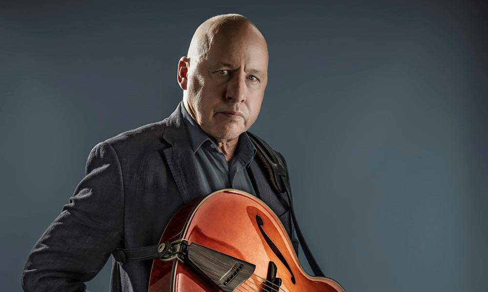 Mark Knopfler Set To Host New Sirius XM Show, 'The British Grove Broadcast'