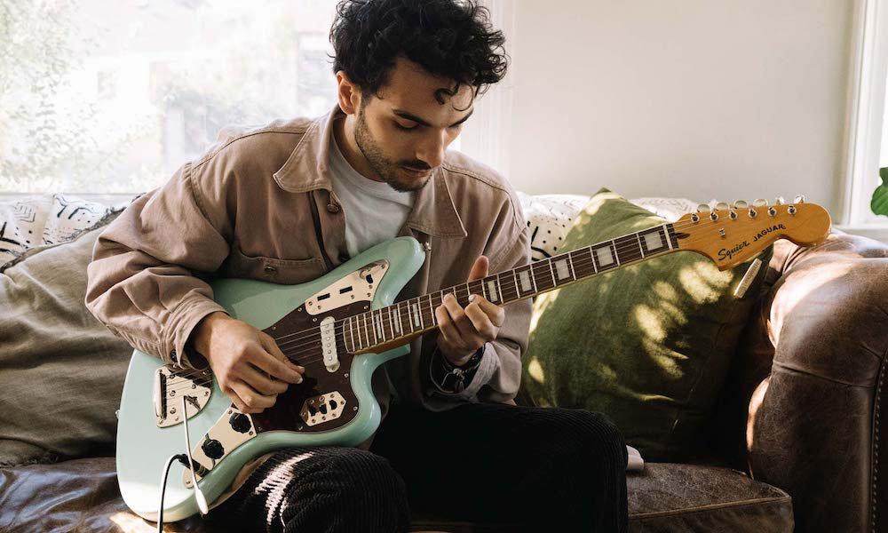 Fender-PlayThrough-PR-1920x1080-male