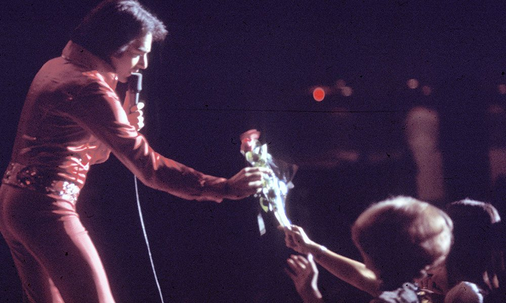 Neil Diamond photo by Michael Ochs Archives and Getty Images
