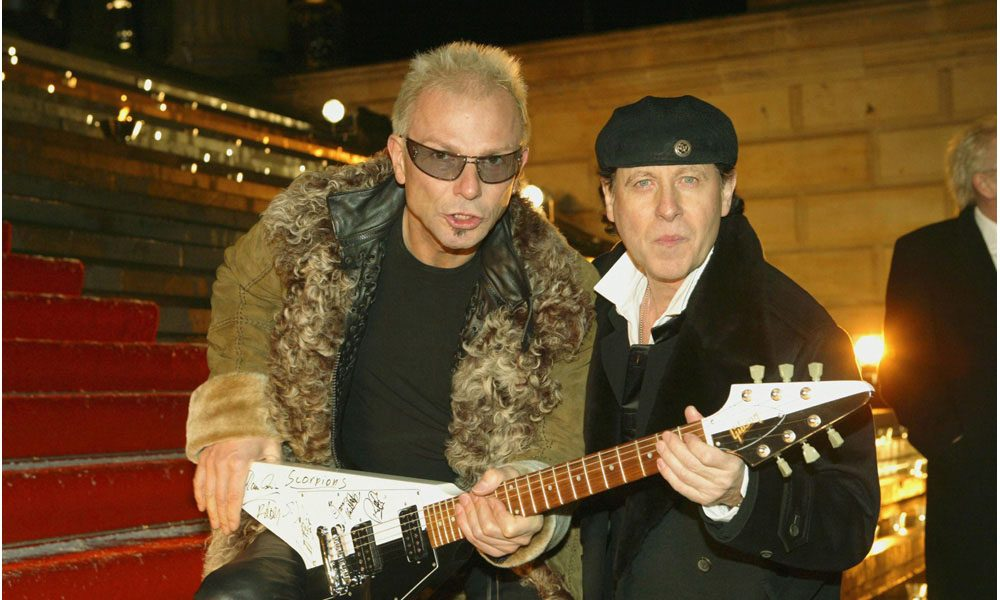 Scorpions-Metallica-Megadeth-Flying-V-Doc