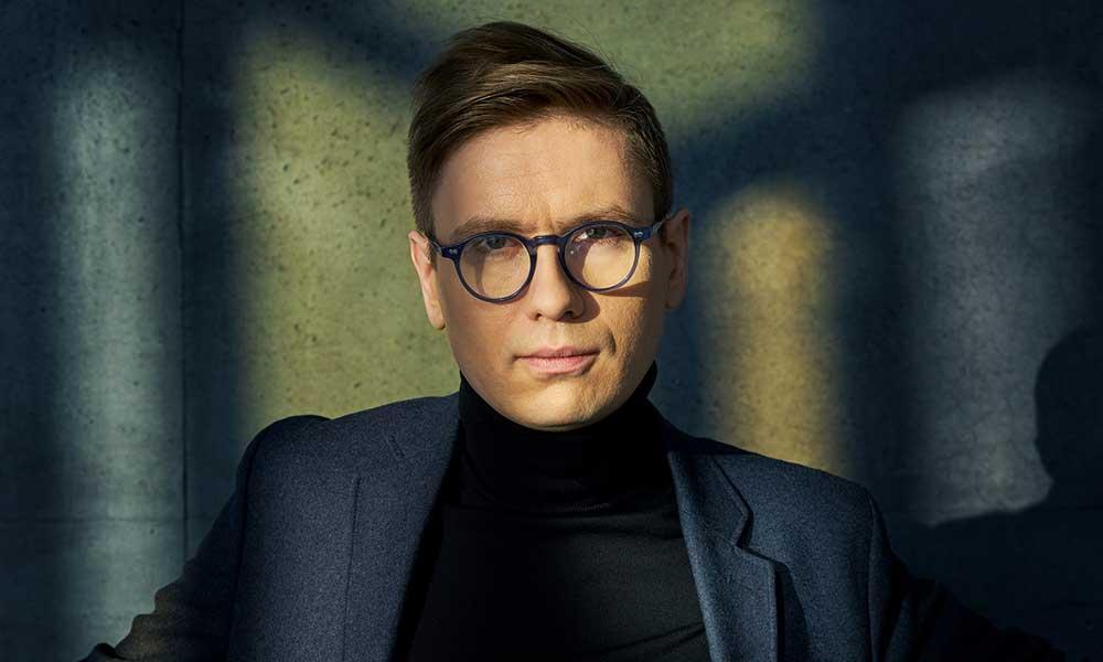 Vikingur Olafsson photo