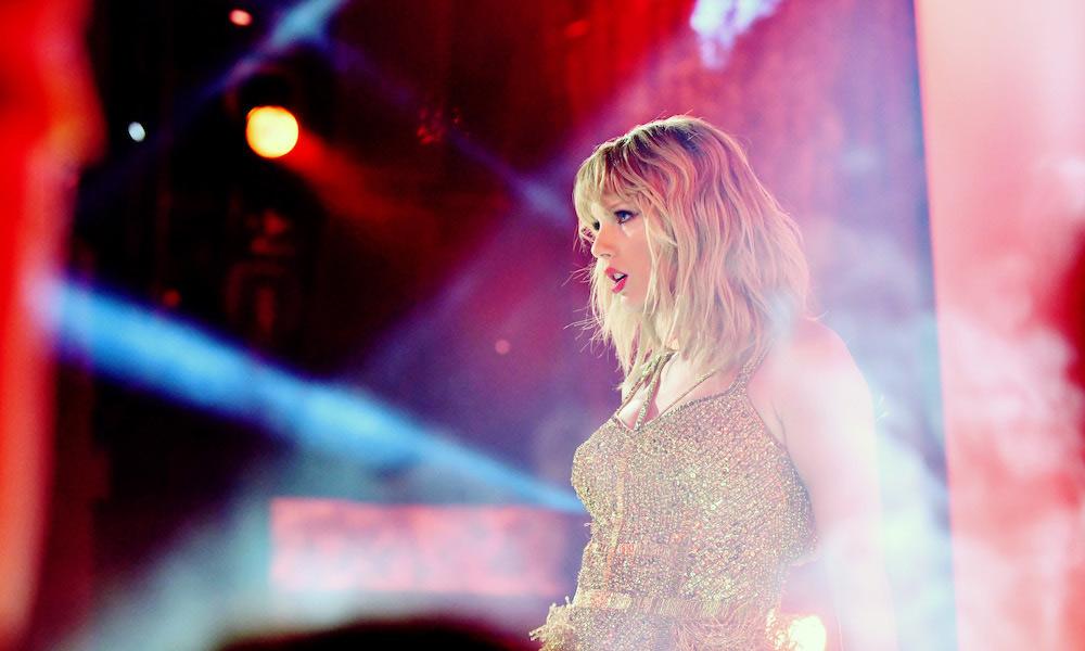 Taylor-Swift - American Music Awards 2020