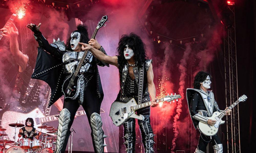 KISS-Goodbye-To-2020-Virtual-Concert