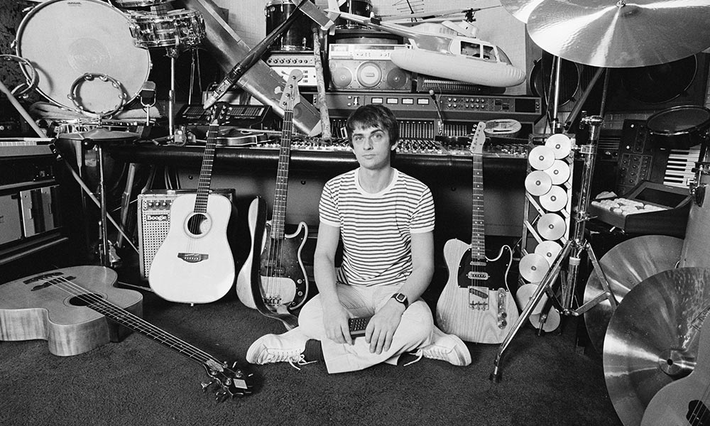 Mike Oldfield photo by Fin Costello and Redferns