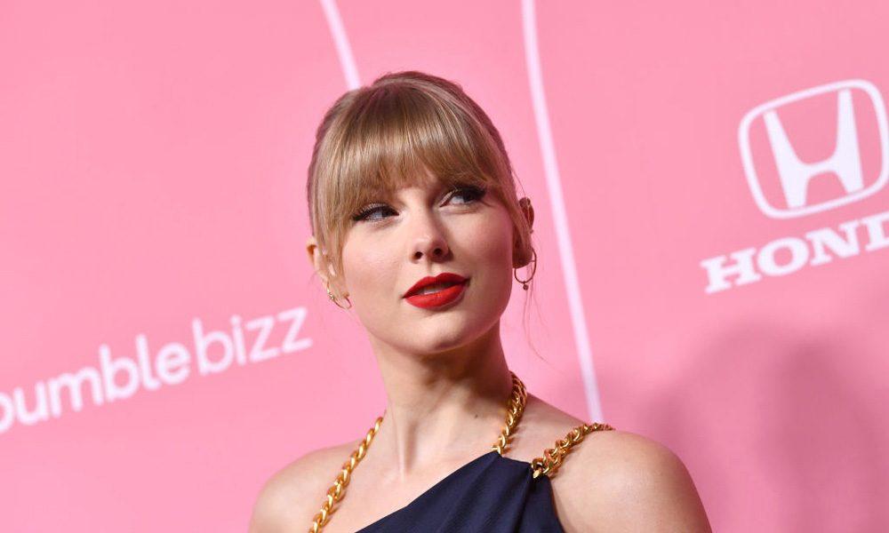 Taylor-Swift-Evermore-Million-Sales-Worldwide