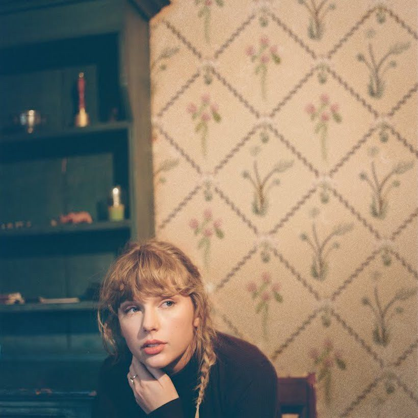 Taylor-Swift---Willow---The-Lonely-Witch