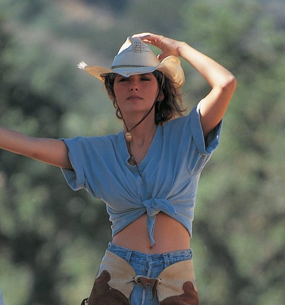 Shania-Twain-Any Mine Of Mine Press Shot John Derek