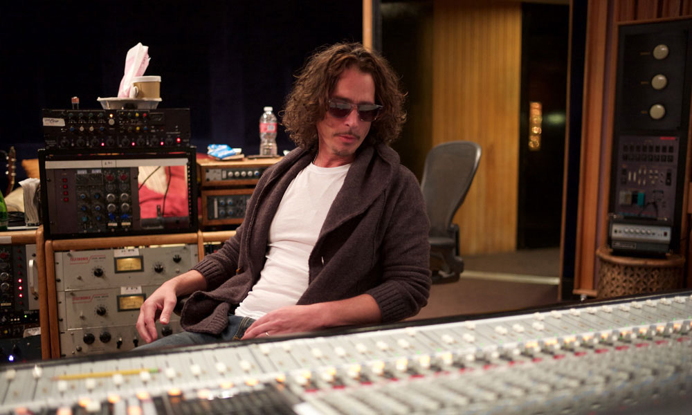 Chris-Cornell-No-One-Sings-Like-You-Physical-Editions