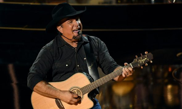 Garth Brooks GettyImages 1280255957