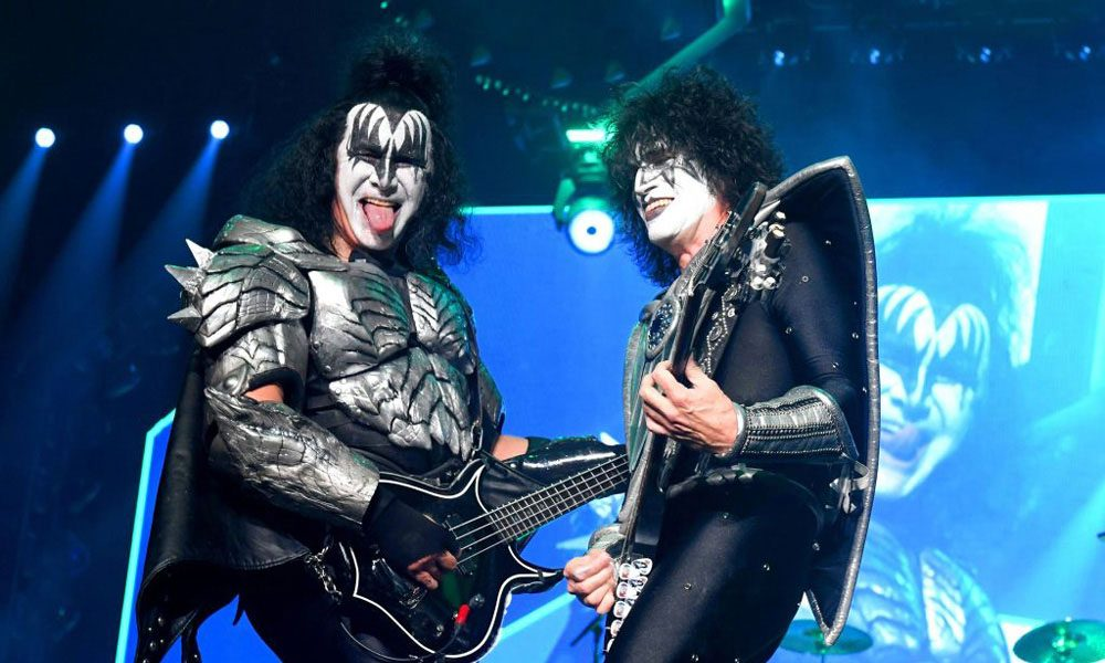 KISS-Launch-New-Drink-Cold-Gin