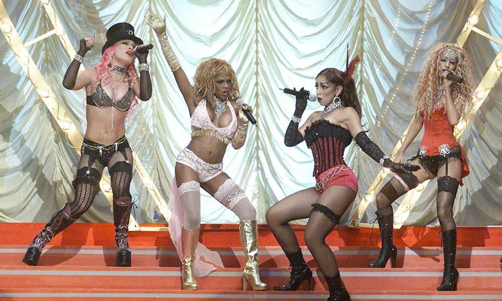 Pink, Lil' Kim, Mya and Christina Aguilera perform 'Lady Marmalade' at the 2001 MTV Movie Awards