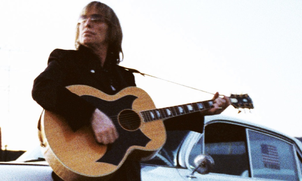 Gibson Honors Tom Petty With 'SJ-200 Wildflower' Guitar | uDiscover