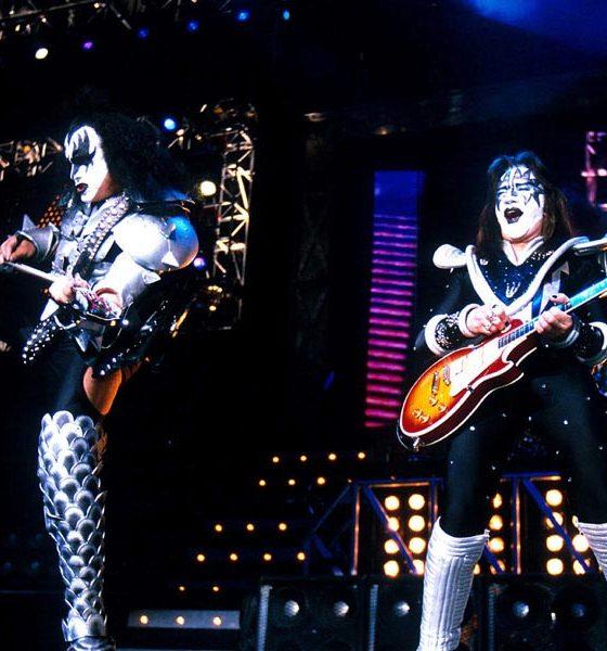 KISS-Off-The-Soundboard-Tokyo-2001