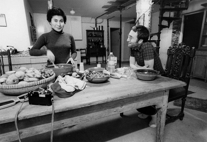 John & Yoko in the kitchen of the main house, Tittenhurst Park, Ascot, Berkshire, 27 January 1970. Photo by Richard DiLello