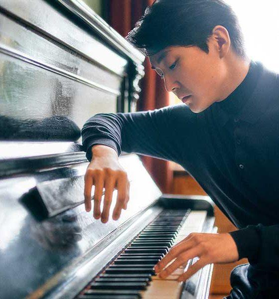 Seong-Jin Cho photo