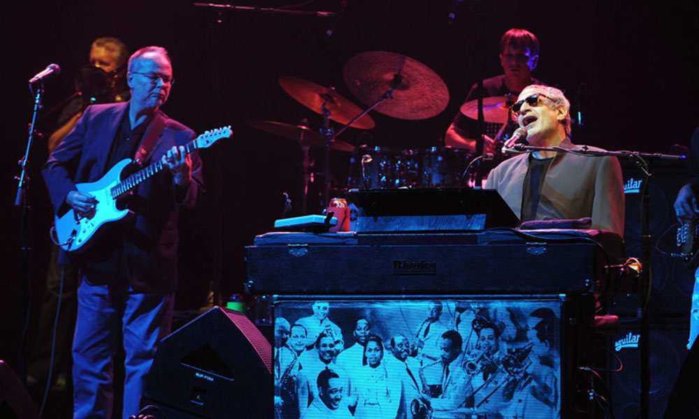 Steely-Dan-Absolutely-Normal-21-Tour