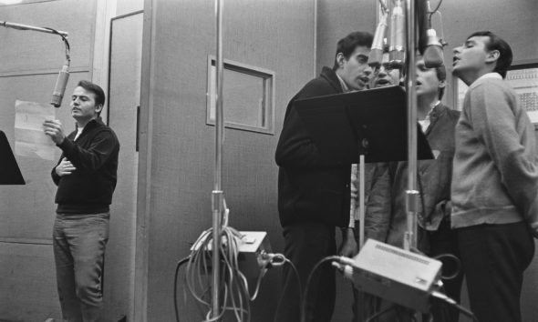 Jay Black (far left) records with Jay & the Americans, circa 1965. Photo: Don Paulsen/Michael Ochs Archives/Getty Images