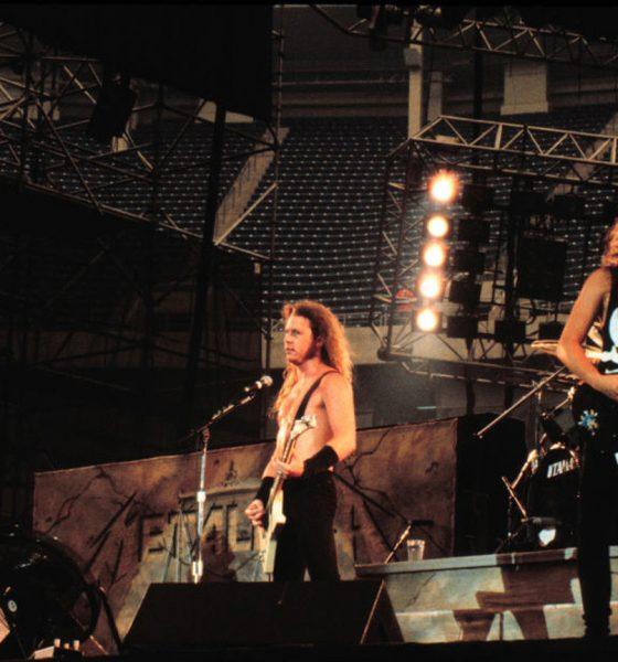 Metallica-Photo-Book-Black-Album-Black-White